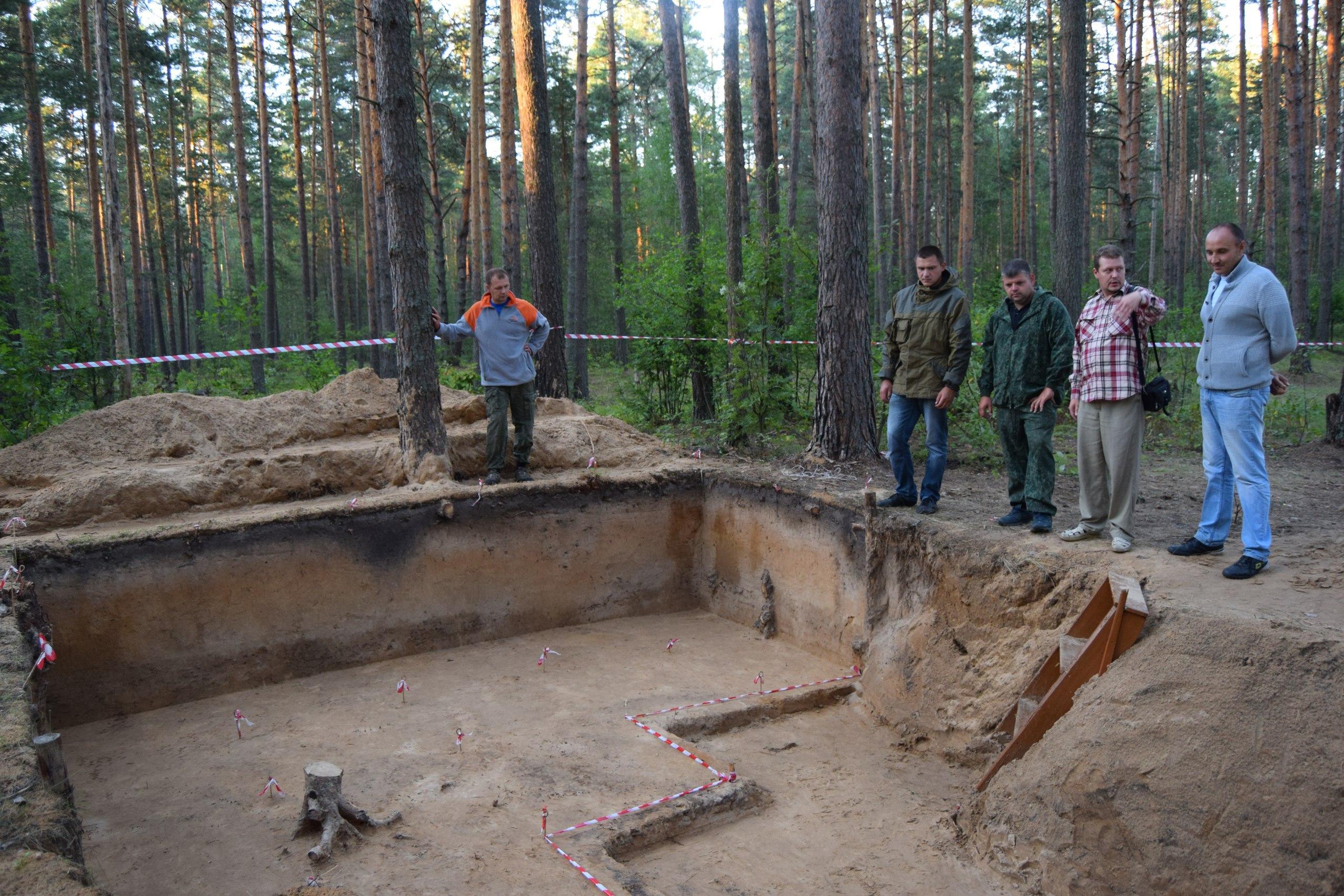 КАЭ у раскопа на стоянке Долгое XI